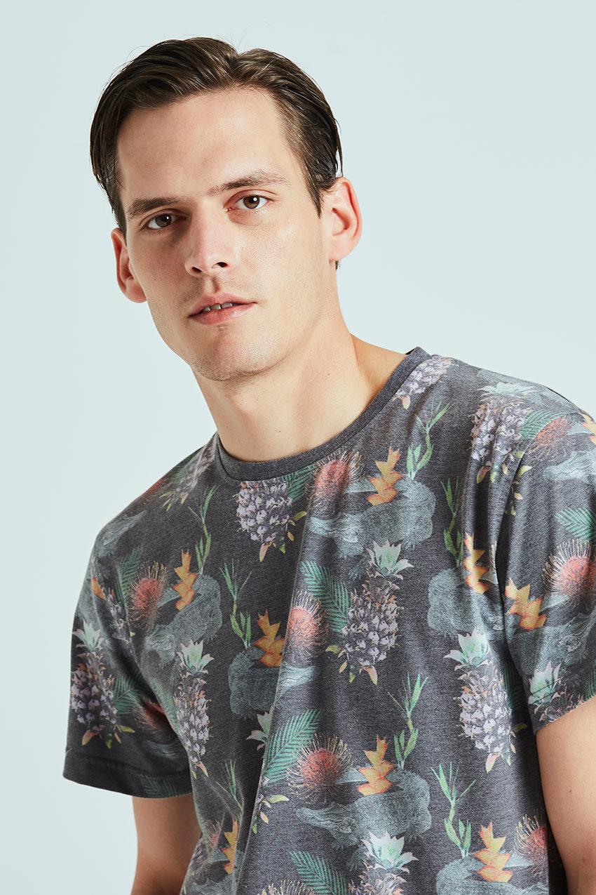 Exotic Tshirt Tiwel faded black 02