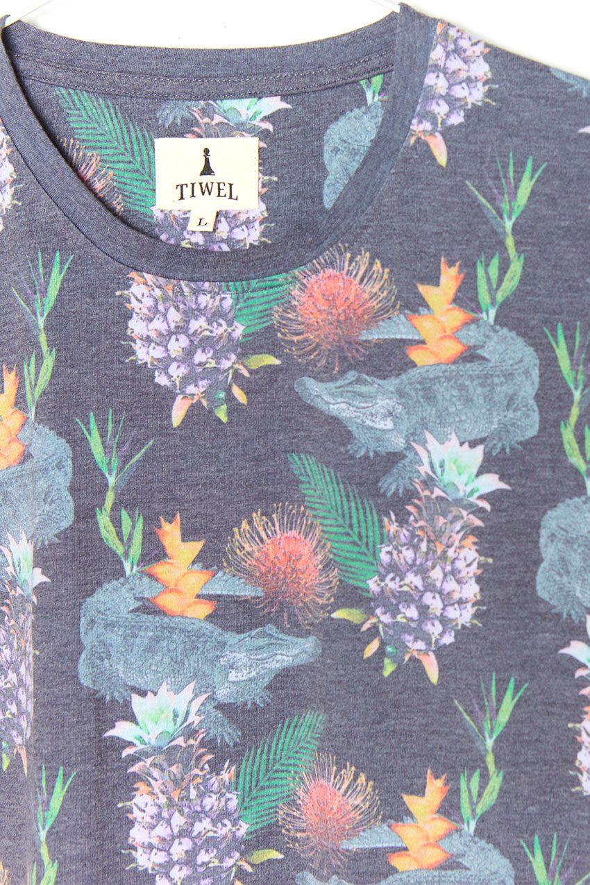 Exotic Tshirt Tiwel faded black 04