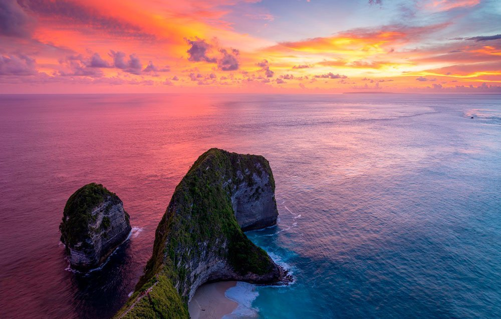 kelingking-sunset-nusa-penida-bali